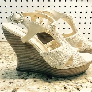 Audrey Brooke wedge with crochet style